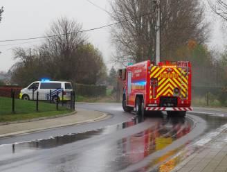 Brandweer ruimt oliespoor van drie kilometer