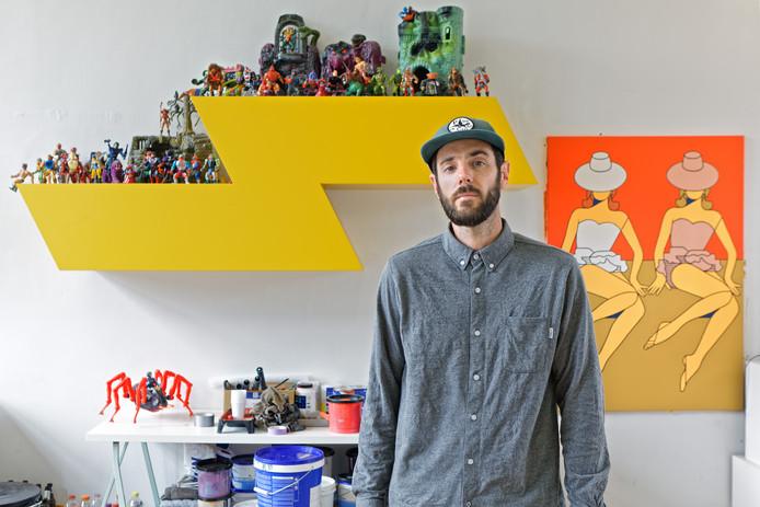 Robin Nas uit Breda heeft een muurschildering ontworpen die in Polen aangebracht gaat worden. Hier staat hij in zijn atelier in Breda.