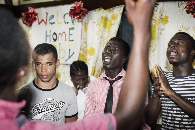 Stephan werd feestelijk ontvangen in Ghana.