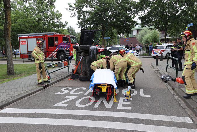 Bestuurder gewond na botsing tegen hek in Aalst.