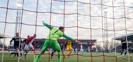 Na geschutter in Emmen haalt PSV toch opgelucht adem