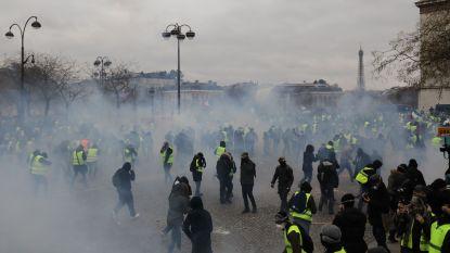 Negende actieweekend 'gele hesjes' in Frankrijk: 84.000 manifestanten stromen samen in grote steden, traangas ingezet in Parijs