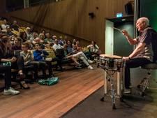 Drumlegende Cesar Zuiderwijk blijkt in Nesterlé ook begenadigd verteller