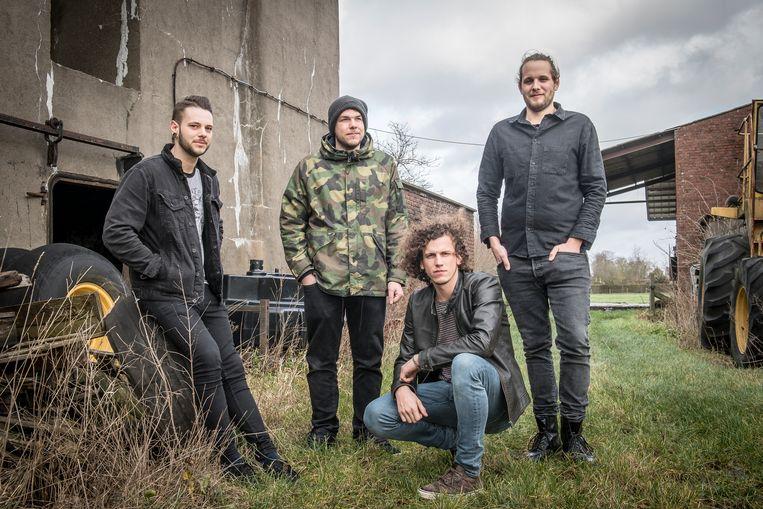 Jelle Reynaert, Thijs Vangheluwe, Joppe Vandewalle en Brecht Vanvyaene vormen voortaan samen Miava.