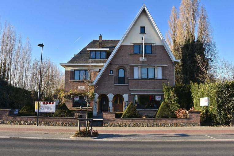 De villa in de Kortrijksesteenweg in Harelbeke, waar de moslimgemeenschap Bader een gebedshuis wil.