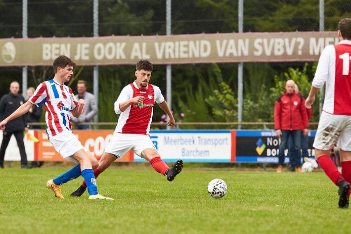 Bas Menop was één van de voetballers die terugkeerde naar het Barchemse SVBV. Menop verruilde daarmee derde klasse voor de klasse in de kelder.