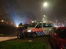 Opnieuw raak op Urk: jongeren treiteren politie met zwaar vuurwerk