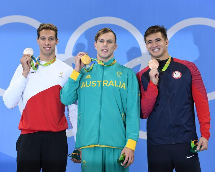 Kyle Chalmers met zijn gouden medaille op de 100 meter vrije slag op de Olympische Spelen in 2016.