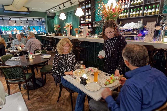 Bleue Bar Bistro aan de Grote Markt in Breda, voor rubriek Over de Tong.
