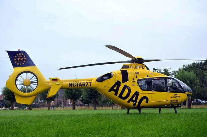 Een traumahelikopter uit het Duitse Rheine bood medische ondersteuning.