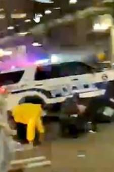 """Un policier roule """"sur une montagne de personnes"""" aux États-Unis"""
