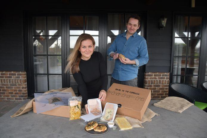 Kok Michiel van Laere en zijn (gast)vrouw Joyce ontwikkelden de petetterbox; zeven culinaire aardappelbijgerechten voor thuis.