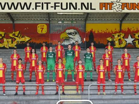 GA Eagles toont nieuwe gezicht op eerste 'coronaproof' elftalfoto
