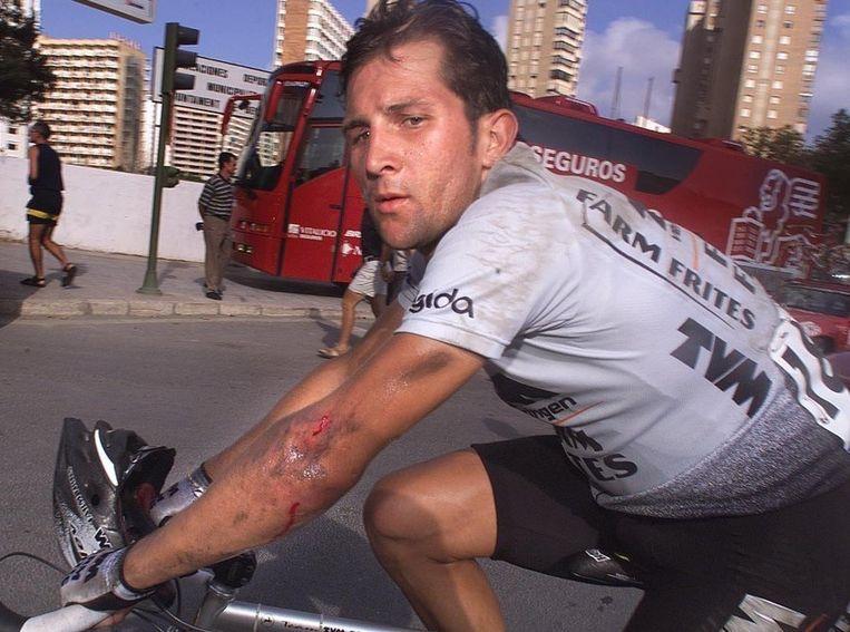 Jeroen Blijlevens na een valpartij tijdens de Tour de France van 1999 Beeld null