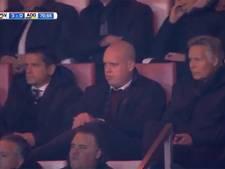 Van Gerwen op tribune bij favoriete club PSV