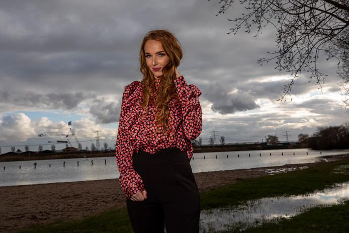 Nikki van der Loos