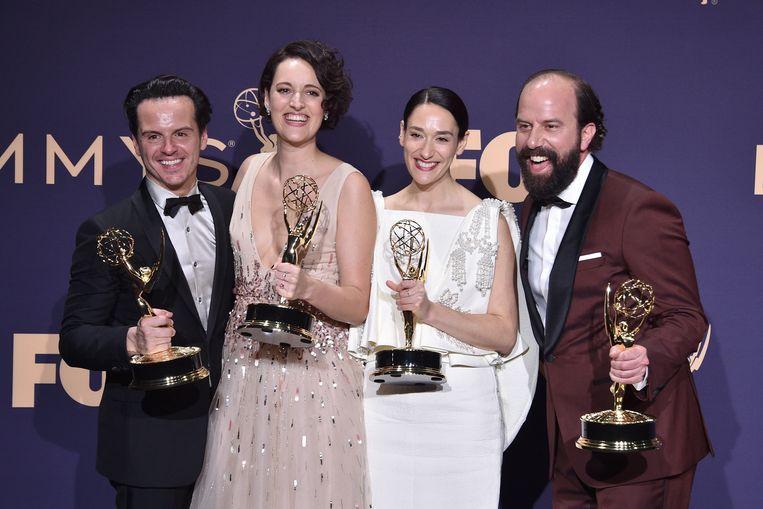 Andrew Scott, Phoebe Waller-Bridgje, Sian Clifford en Brett Gelman bij de Emmy-uitreiking. Beeld Patrick McMullan via Getty Image
