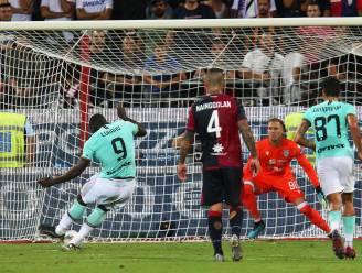 Lukaku negeert racistische geluiden en zet winnende penalty om bij het Cagliari van Nainggolan