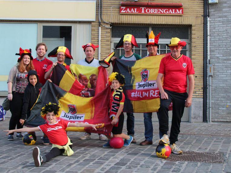 Het comité 'Kom op veur de Plosj' staat in voor een tricolor feestje in zaal Torengalm.