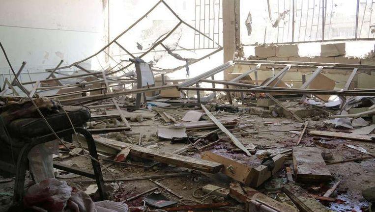 Gisteren vielen 18 doden door een luchtaanval van het Syrische leger op een school in Aleppo.