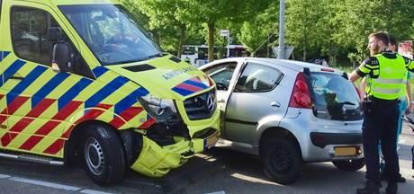 Ambulance betrokken bij aanrijding in Gemert