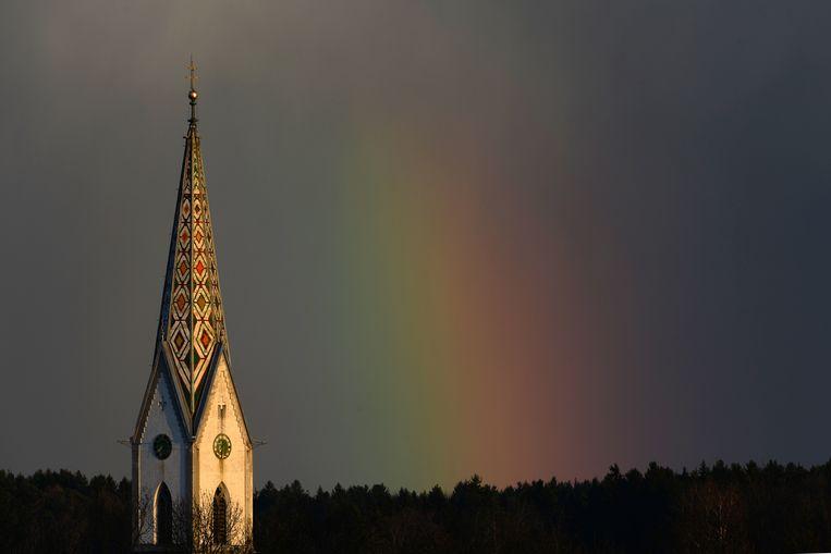 Samuel Lee's hartekreet om homo's te accepteren in de kerk weegt zwaar, maar ligt ook gevoelig