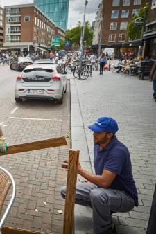 Terrasvlonders maken weer plaats voor auto's: 'Wildgroei aan vlonders, het is uit de hand gelopen'