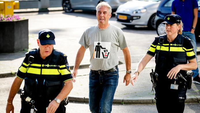 Pegida voorman Edwin Wagensveld werd eerder gearresteerd omdat hij het logo droeg
