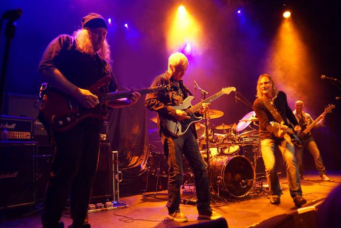De Zeeuwse Rockband Mamilla