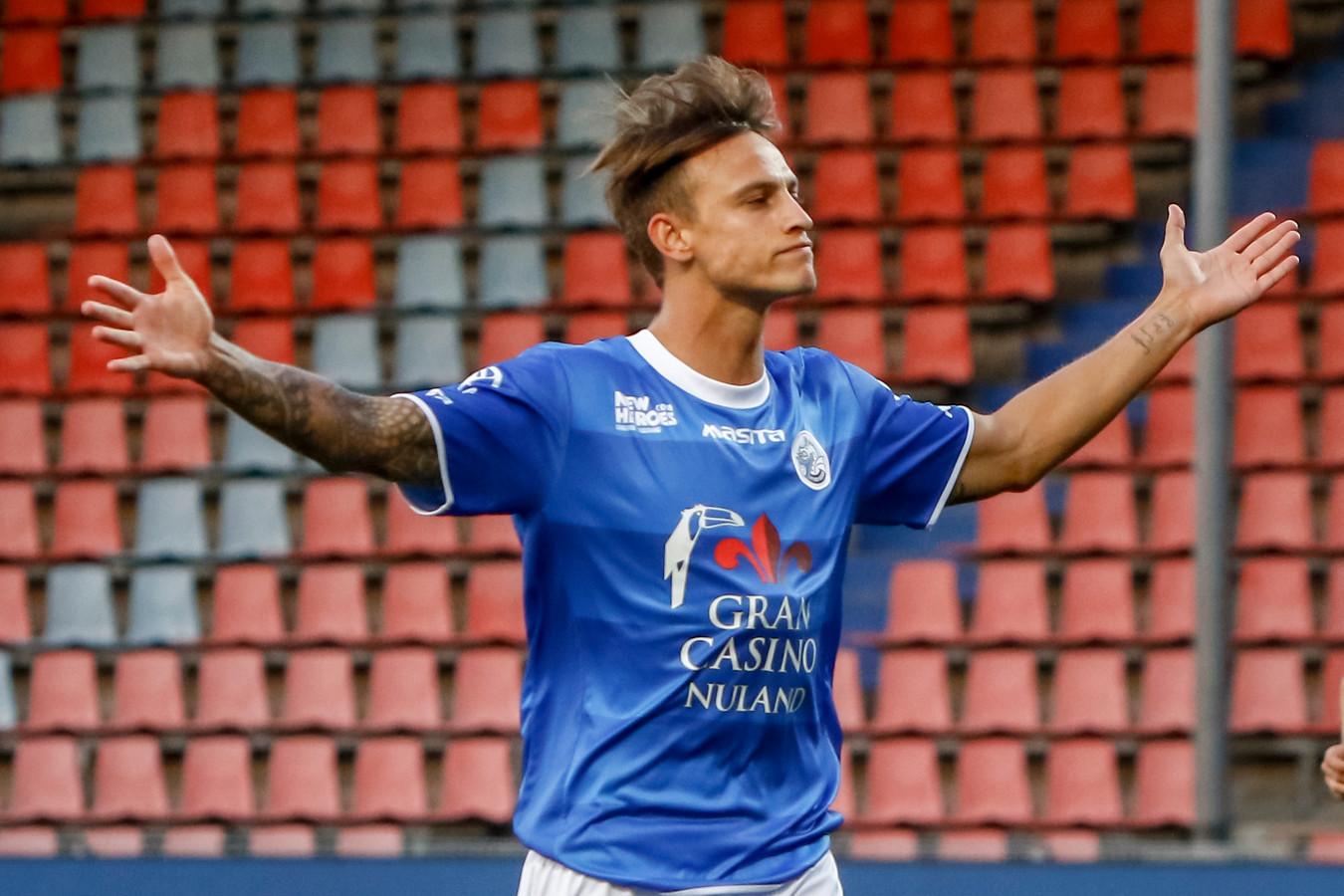 Stefano Beltrame viert zijn doelpunt.