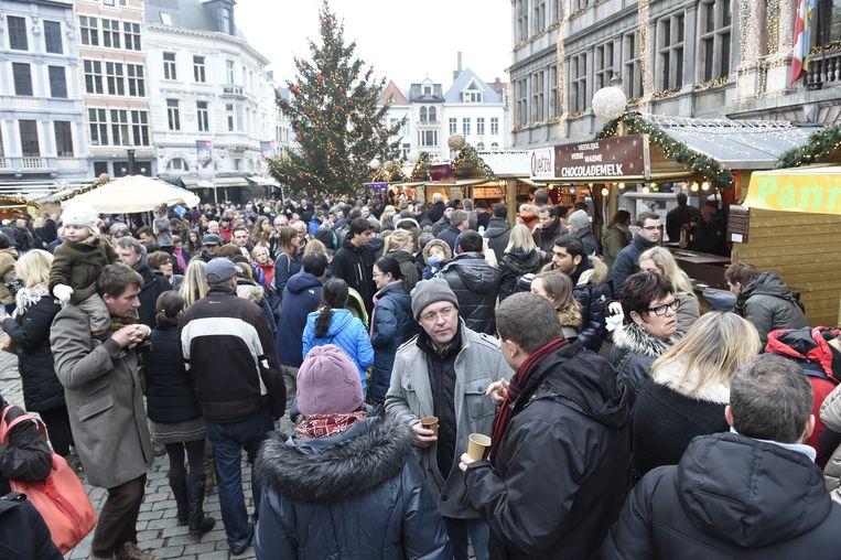Zelfstandigenorganisatie NSZ wil meer mogelijkheden voor startende, lokale ondernemers op de Antwerpse kerstmarkt.