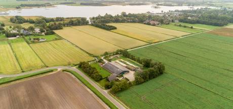 Giethoorn: polder groen houden of weg aanleggen en huizen bouwen