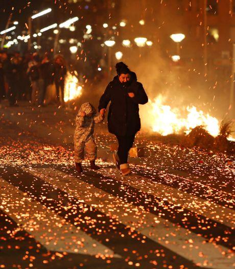 Moeder op iconische vuurregenfoto Scheveningen: 'Iedereen ging voor zichzelf: wegwezen'