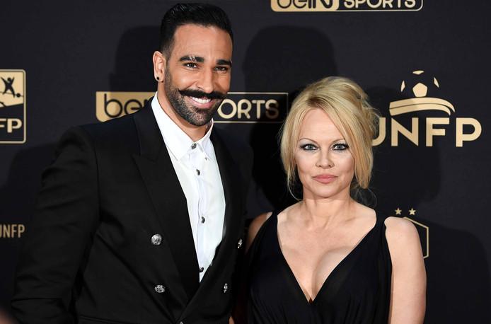 Pamela Anderson met Adil Rami.