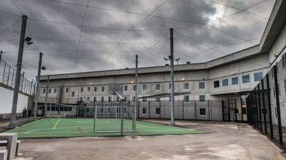 Gedetineerde brengt nacht door op afdak gevangenis Beveren