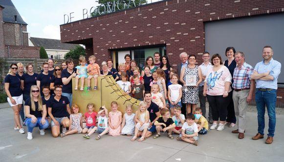 IBO De Boomgaard won vorig jaar nog De Gouden Kinderschoen, een eretitel van de VVSG. Nu kampen ze met personeelsgebrek waardoor het flink puzzelen was om de eerste twee weken van juli te kunnen openen.