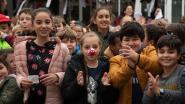 Gertrudis voor het eerst Rode Neuzen school : geld inzamelen voor knusse rustruimte
