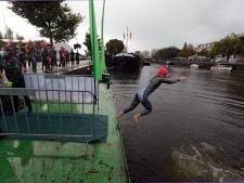 Branders Zwemtocht in Schiedam afgelast: deel zwemmers negeerde 1,5 meter afstand