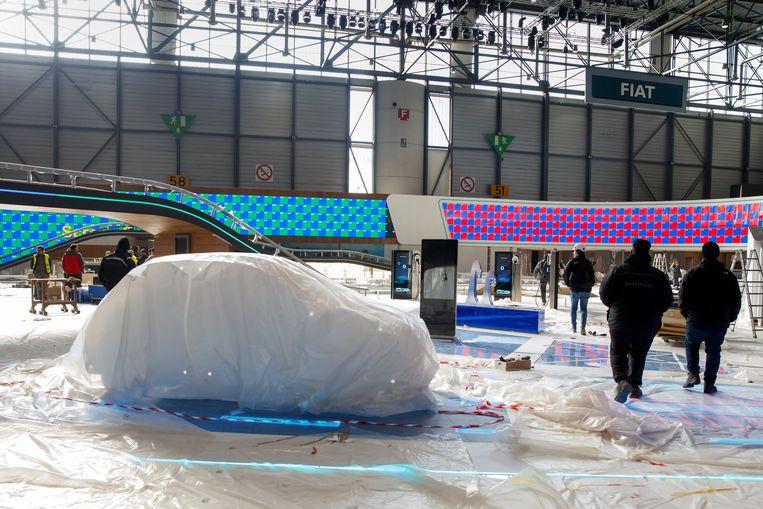 Het autosalon, dat jaarlijks tot 800.000 bezoekers telt, werd in februari door het coronavirus afgebroken nog voor het van start ging.