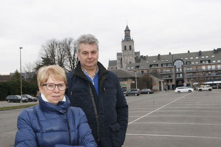 Annemie Minten en Danny Puyneers op de kazernesite. Ze haalden inspiratie op de markt van Barcelona (foto rechts).