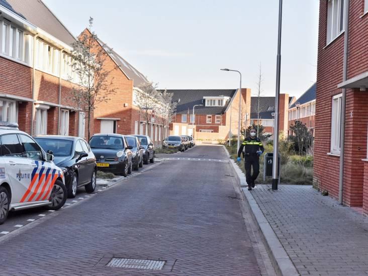 Verdachte verwondt zichzelf onderweg na bureau nadat man in huis is neergestoken in Tilburg