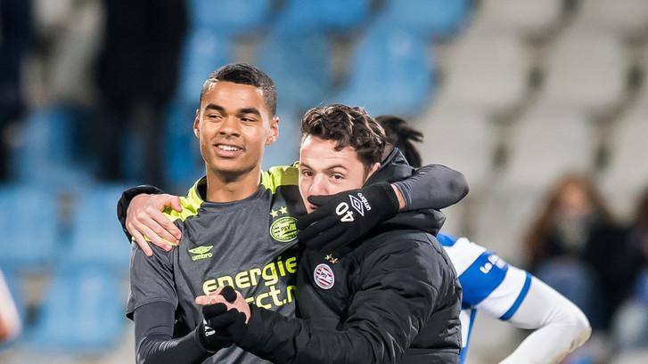 Jong PSV recht de rug en pakt dankzij Gakpo eerste zege ooit op De Vijverberg