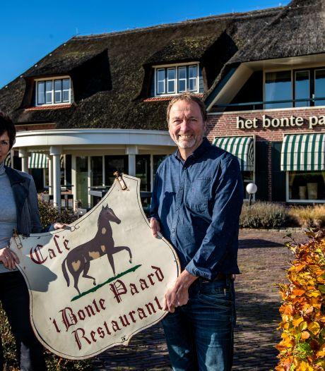Fenny en Aaldrik Paalman nemen afscheid van Het Bonte Paard in Dijkerhoek: 'Nu kunnen we zelf weer naar feestjes toe'
