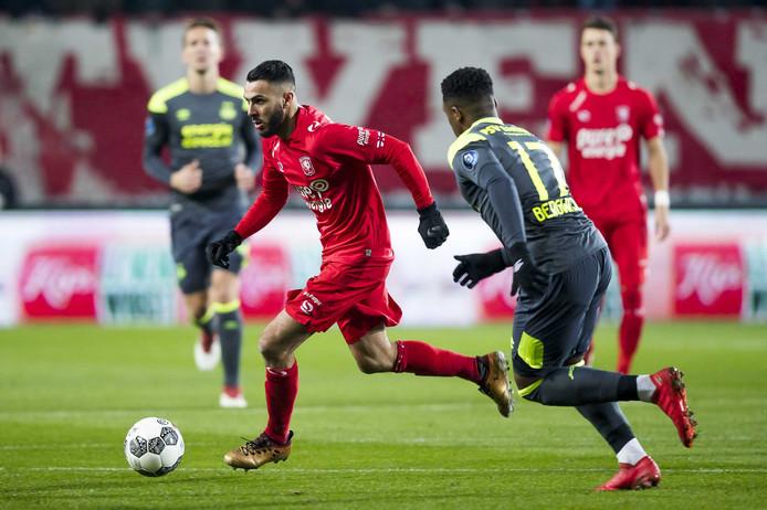 FC Twente verloor dit seizoen uit en thuis van PSV. In Eindhoven had PSV geluk dat de 4-3 in de slotfase viel.