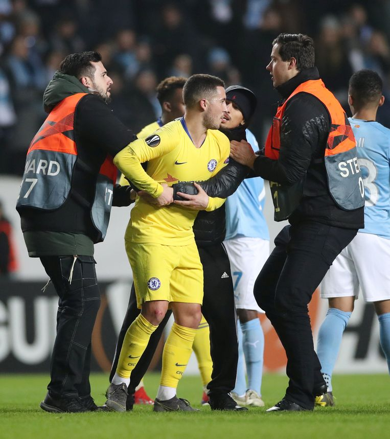 Malmo Vs Psg Winners And Losers From Champions League: Hazard Minimaliseert Incident Met Veldbestormer In Malmö