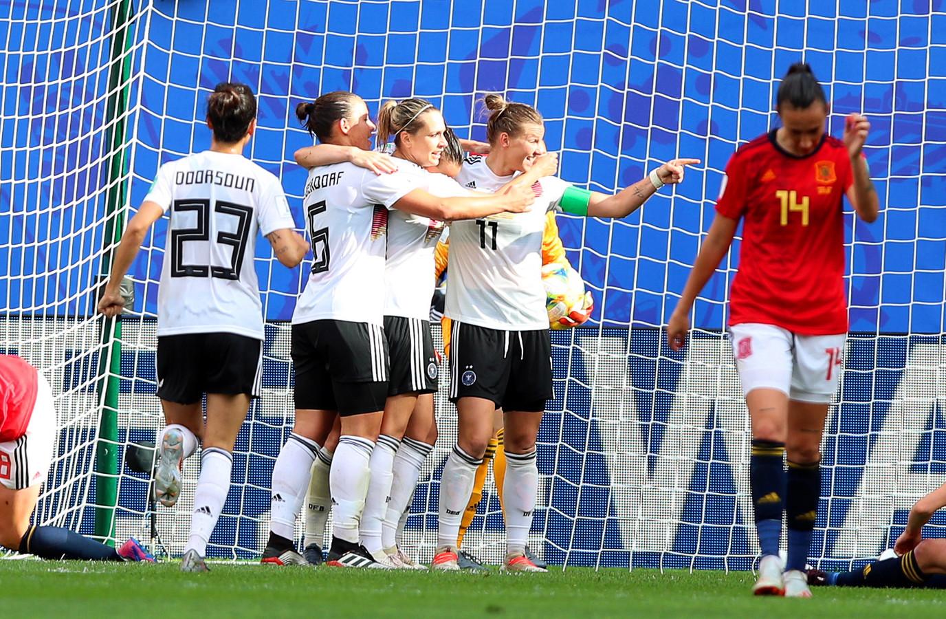 Duitsland viert feest na de enige goal van de wedstrijd