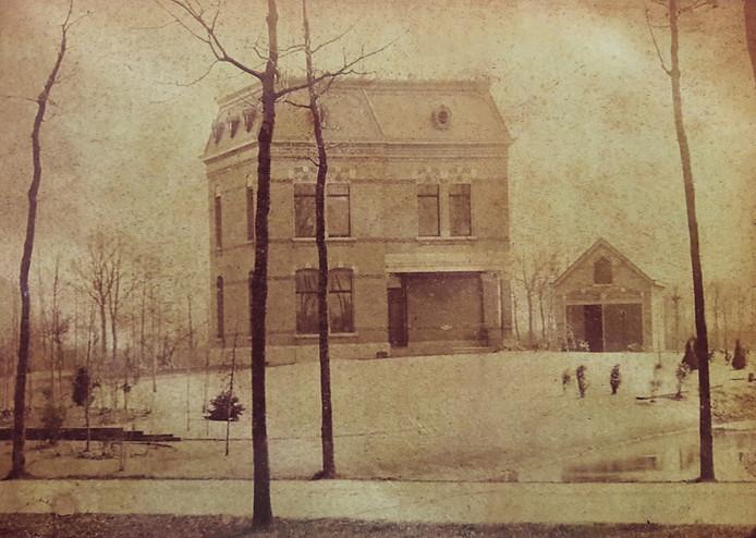 Villa Hoogen Huizen uit 1889, waarschijnlijk de oudste foto van Moergestel