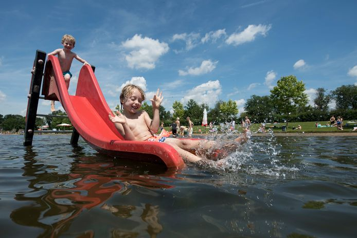 Lol in buitenbad De Langspier in Boxtel, het kan ook deze zomer, ondanks covid-19.