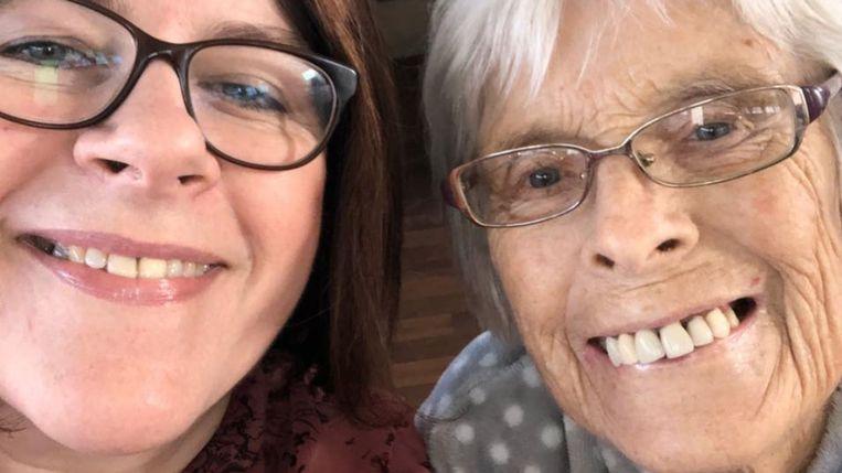 Mama Julianne en grootmoeder Joan