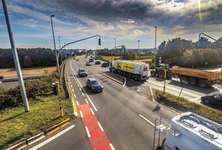 Het is op het vlak van bereikbaarheid onder meer nog zeker tot 2020 wachten op de heraanleg van het op- en afrittencomplex van de E17 met de N382. Daarna zou het verkeer vlotter moeten verlopen.